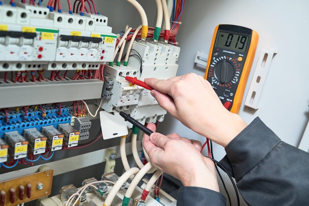 Comment brancher soi-même un radiateur électrique au tableau?